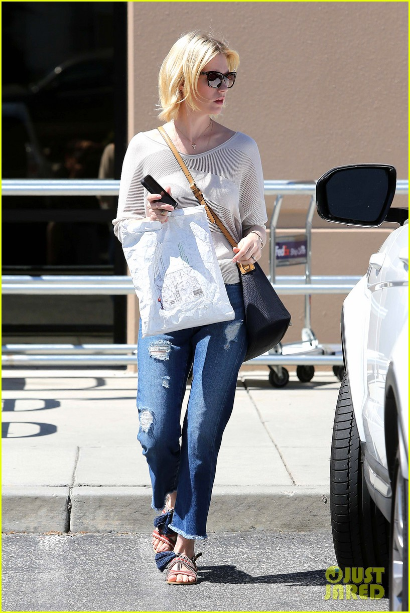 january jones friday fedex stop 212853755
