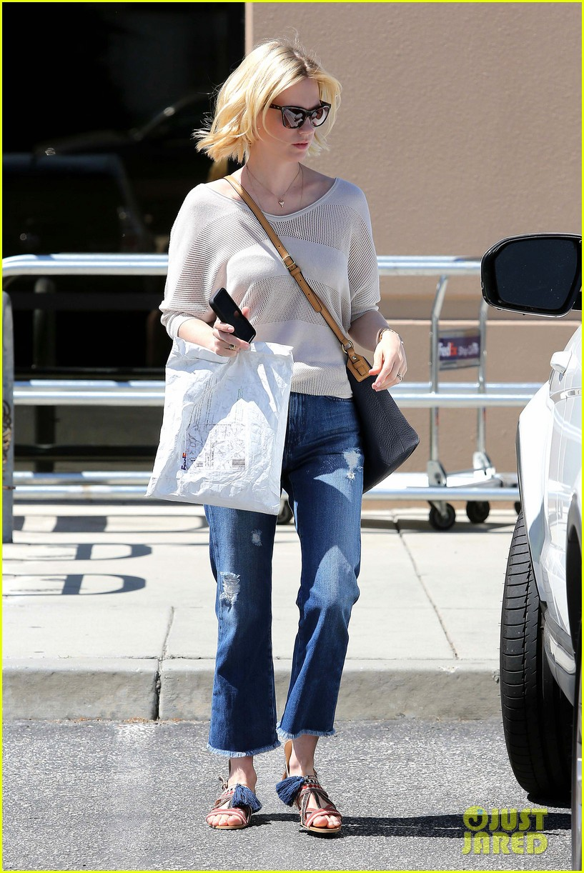 january jones friday fedex stop 272853761
