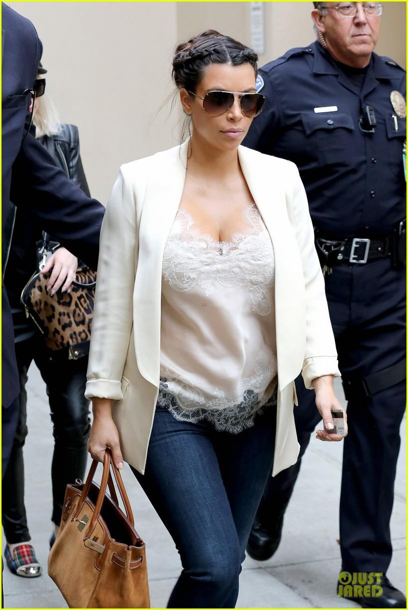 kim kardashian burbank flight before mtv movie awards 2013 042848873