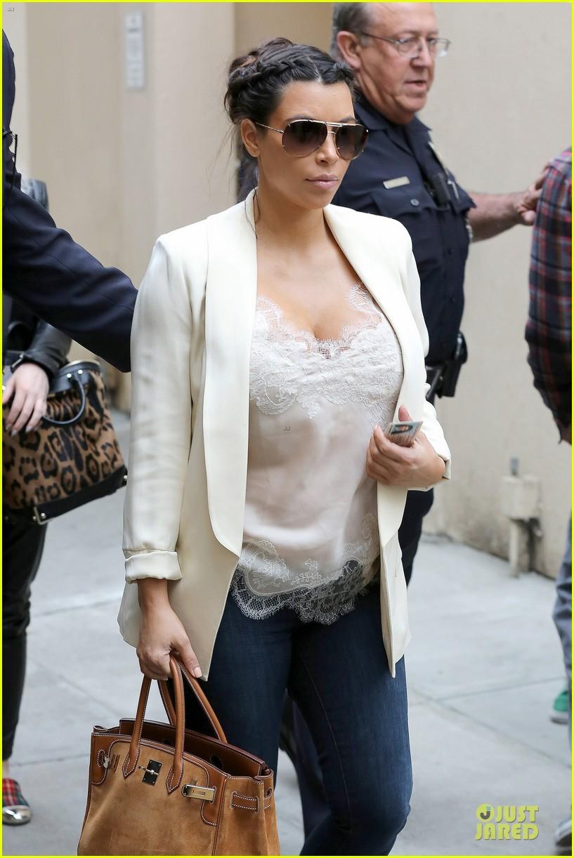kim kardashian burbank flight before mtv movie awards 2013 062848875