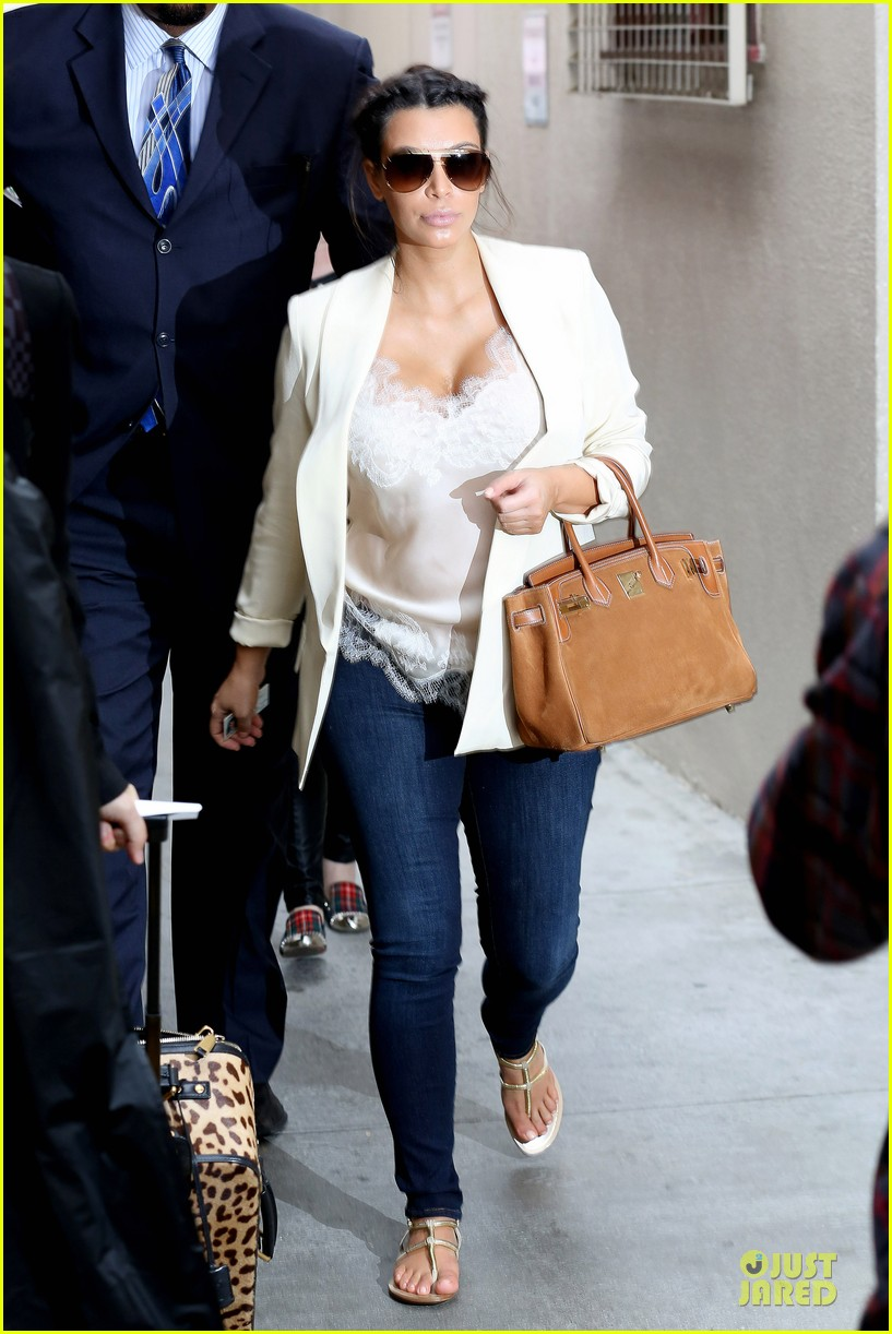 kim kardashian burbank flight before mtv movie awards 2013 122848881