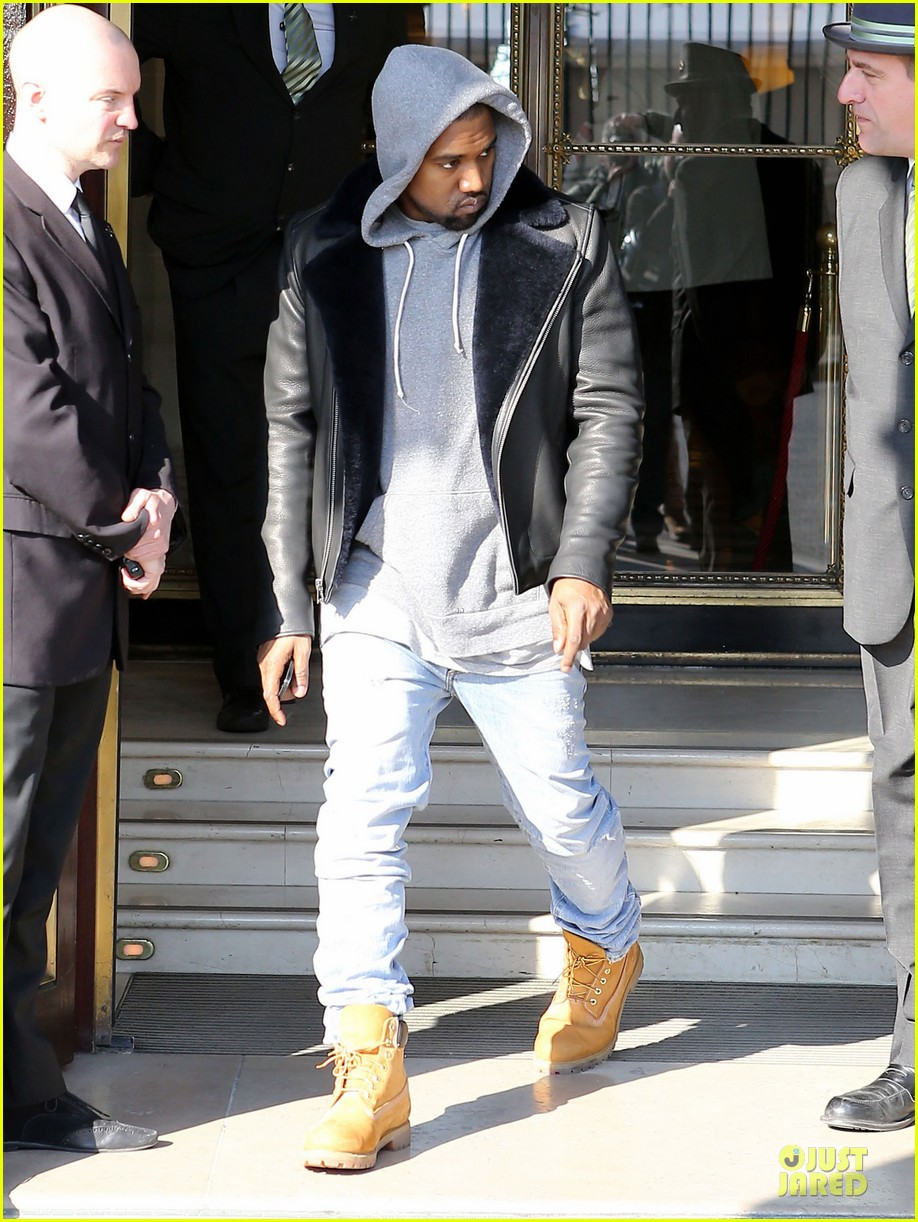 kanye west kim kardashian pregnant paris departure after easter weekend 03