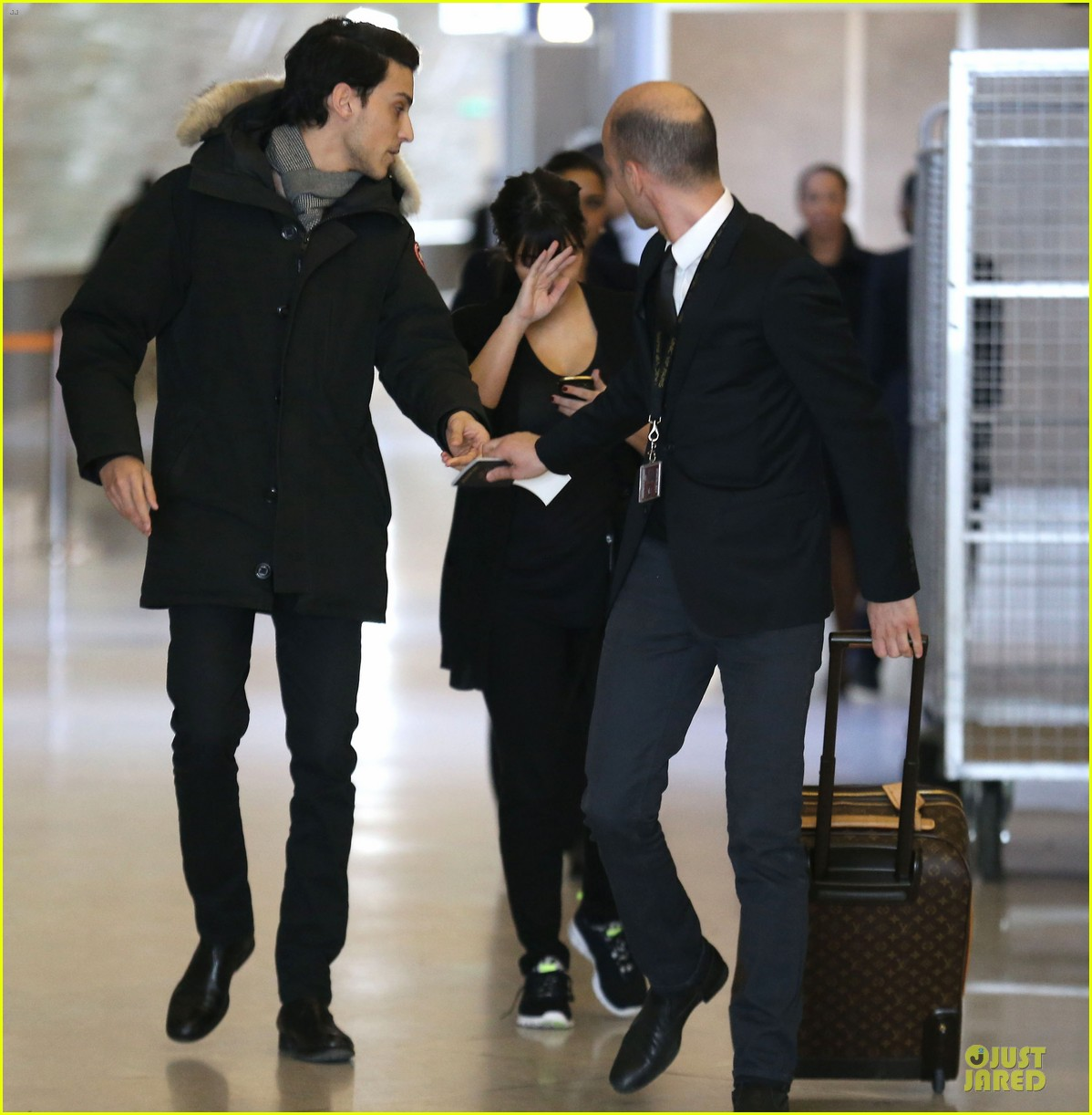 kanye west kim kardashian pregnant paris departure after easter weekend 122842468