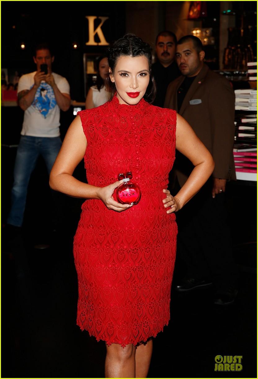 pregnant kim kardashian glam perfume promotion in las vegas 182848930