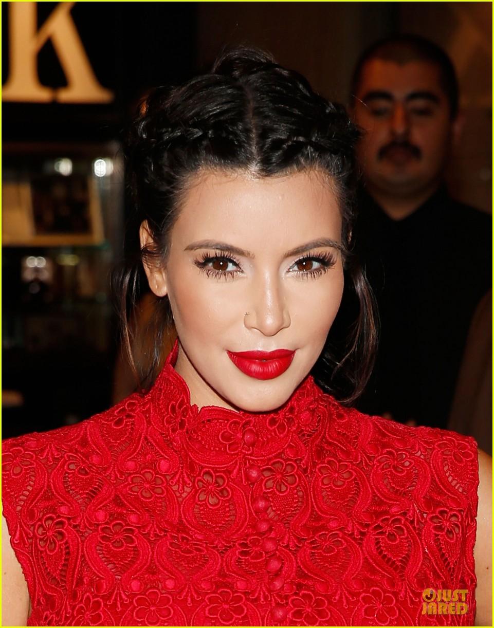 pregnant kim kardashian glam perfume promotion in las vegas 232848935