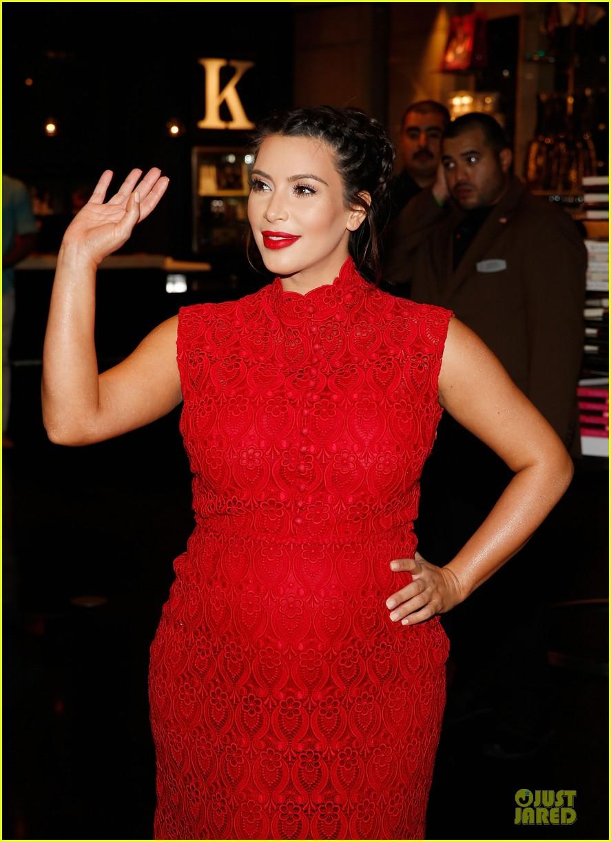 pregnant kim kardashian glam perfume promotion in las vegas 252848937