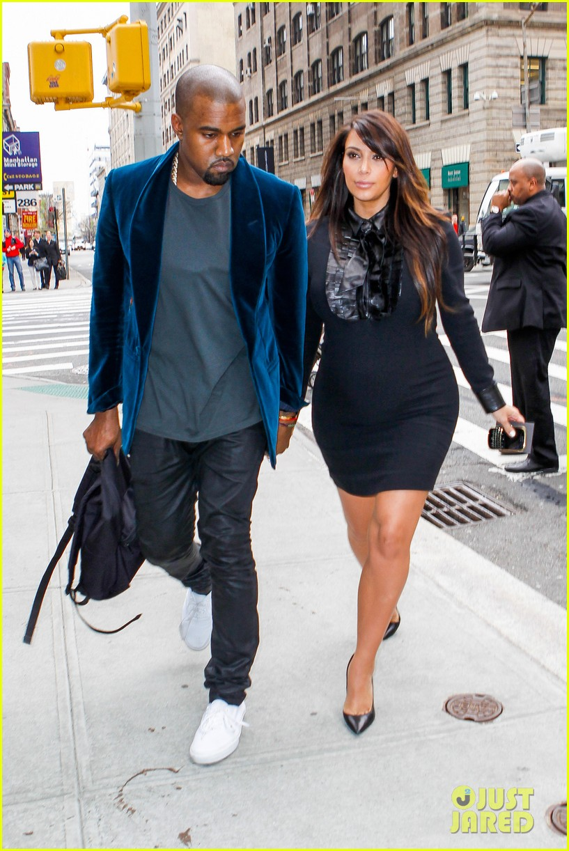 kim kardashian kanye west hold hands in nyc 012856600