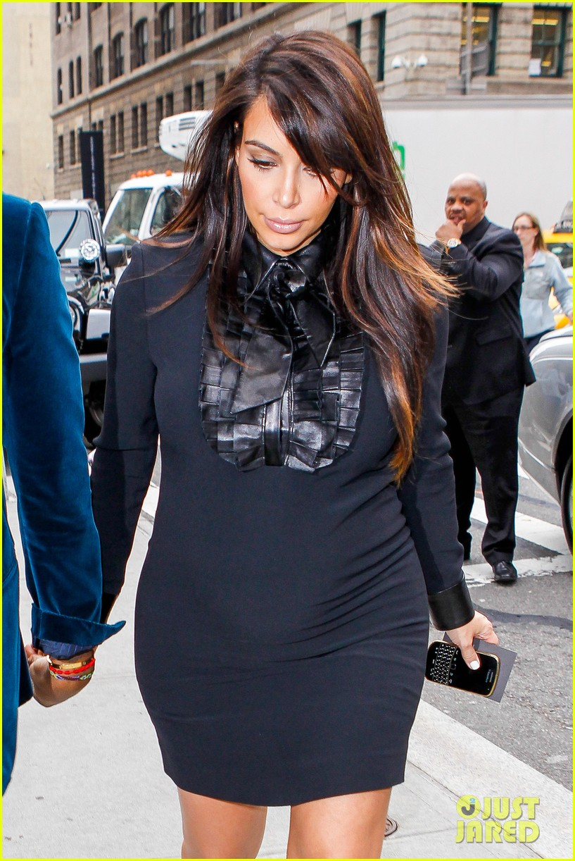 kim kardashian kanye west hold hands in nyc 052856604