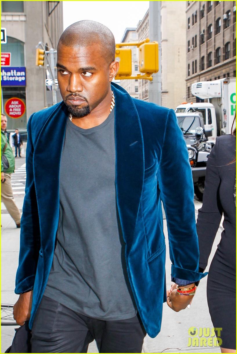 kim kardashian kanye west hold hands in nyc 06
