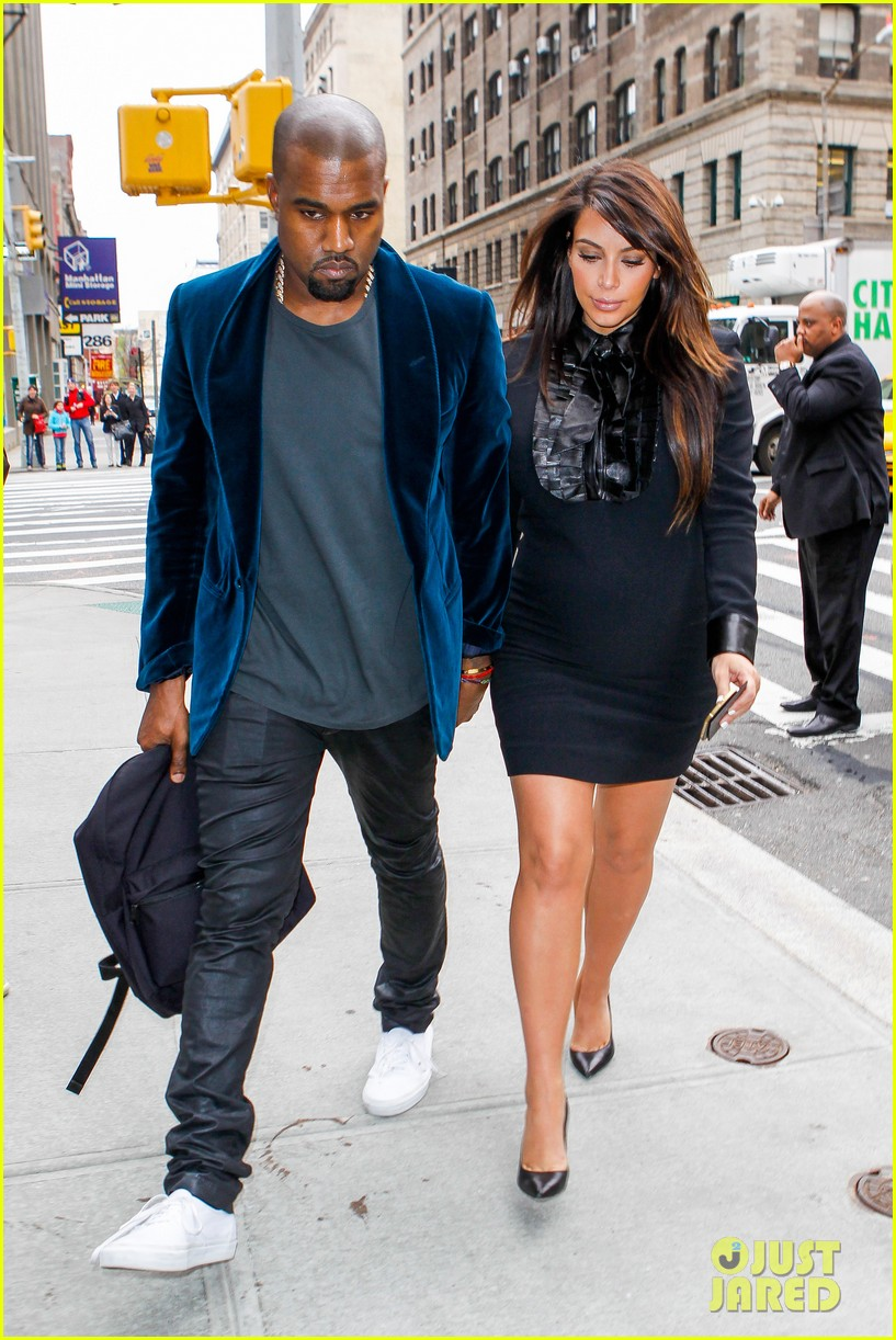 kim kardashian kanye west hold hands in nyc 092856608