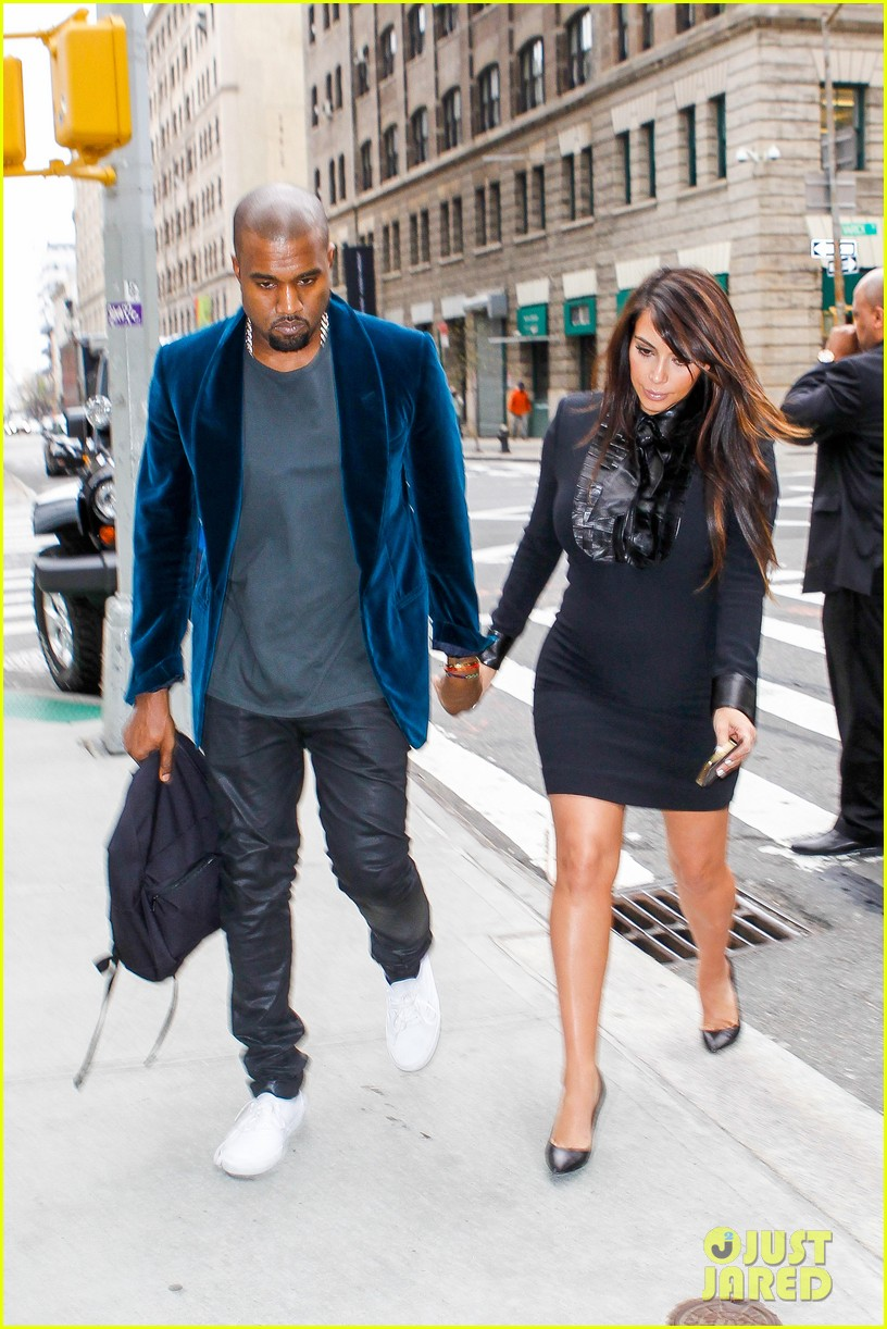 kim kardashian kanye west hold hands in nyc 112856610