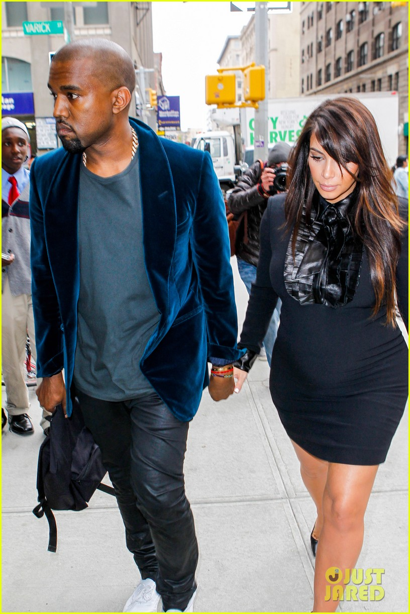 kim kardashian kanye west hold hands in nyc 122856611