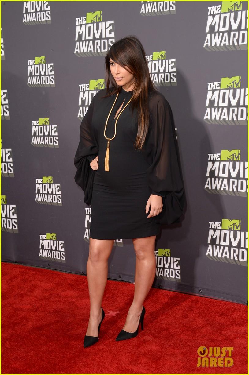 kim kardashian mtv movie awards 2013 red carpet 07