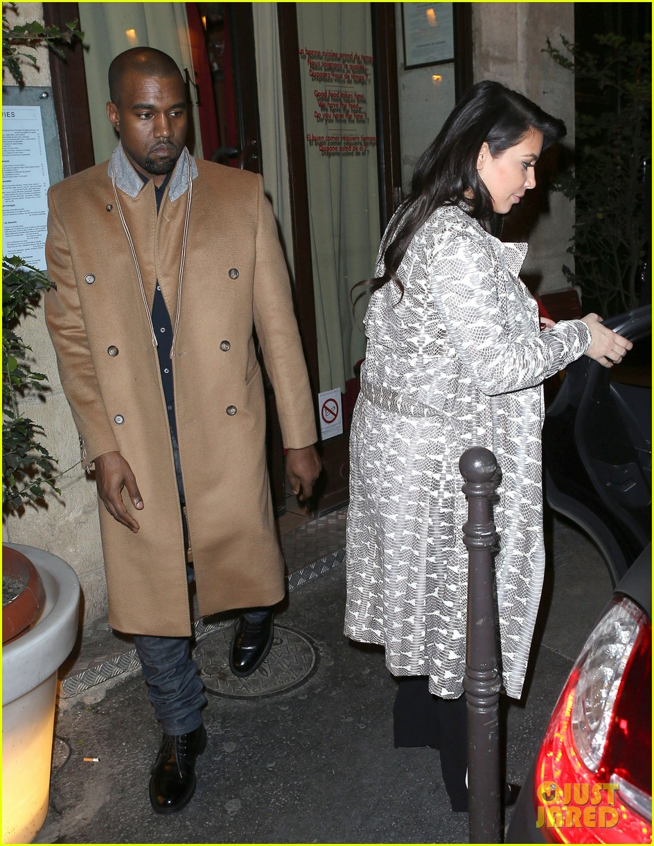 kim kardashian pregnant paris getaway with kanye west 012841961