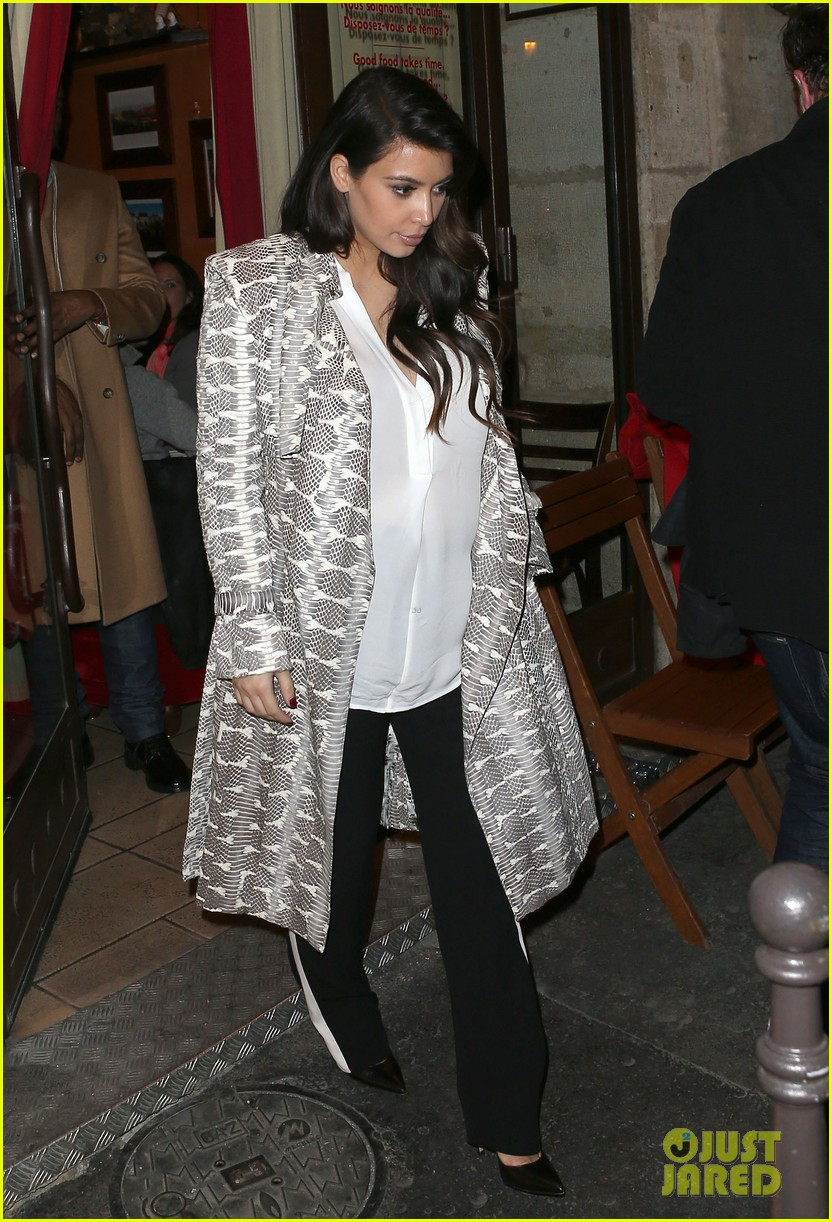 kim kardashian pregnant paris getaway with kanye west 112841971