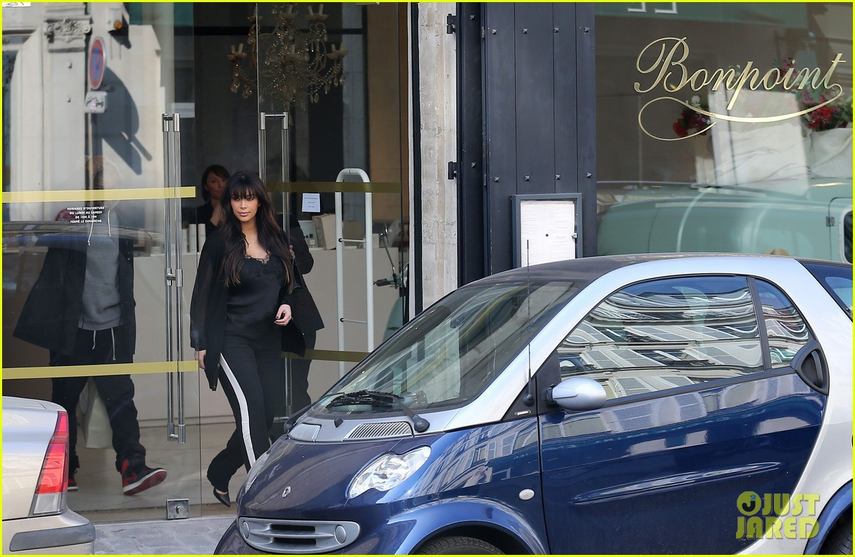 kim kardashian pregnant paris getaway with kanye west 152841975