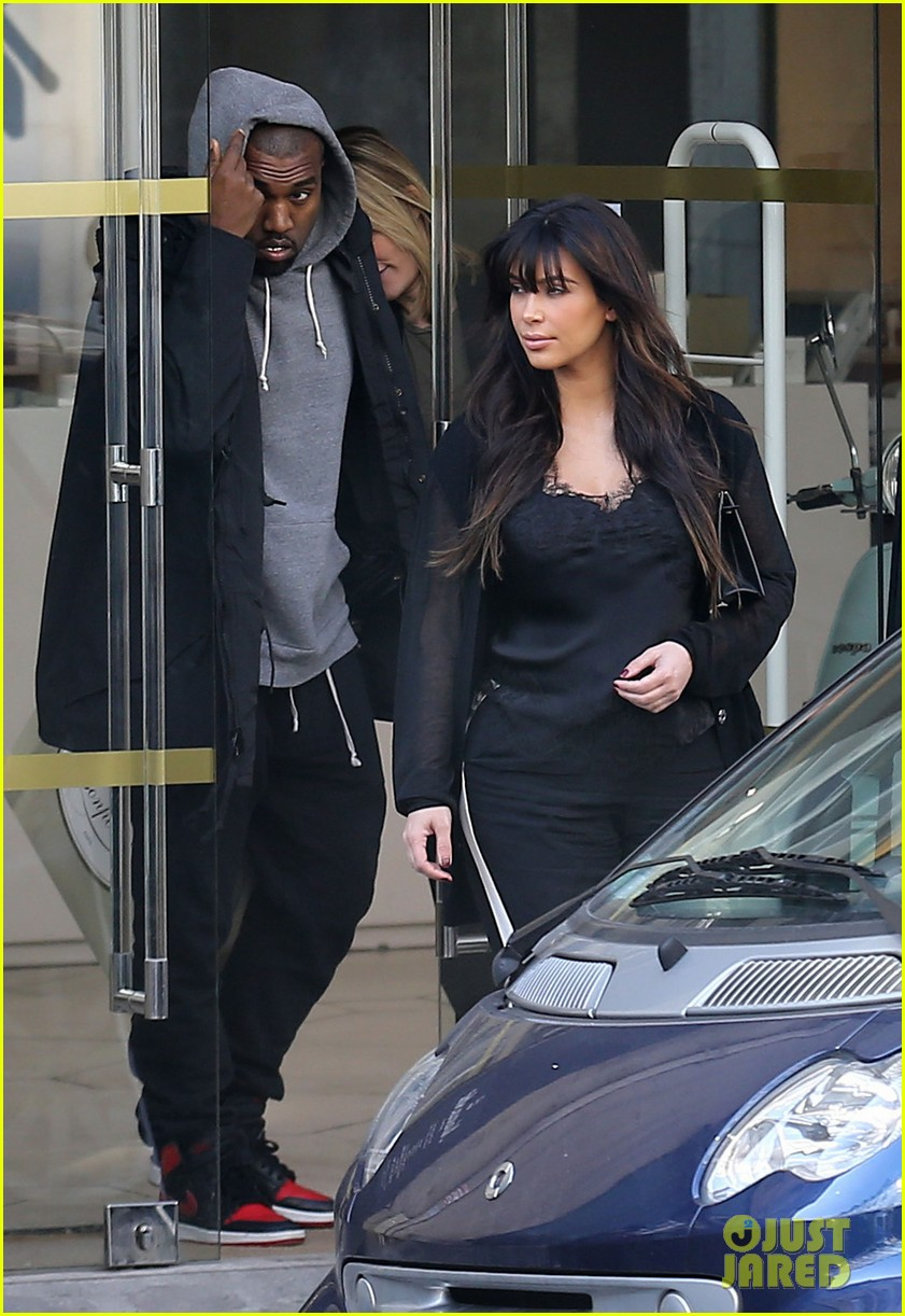 kim kardashian pregnant paris getaway with kanye west 192841979
