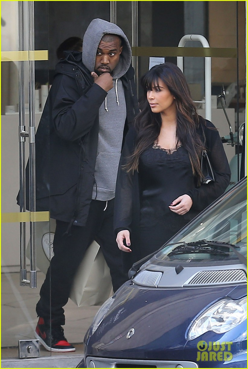 kim kardashian pregnant paris getaway with kanye west 222841982