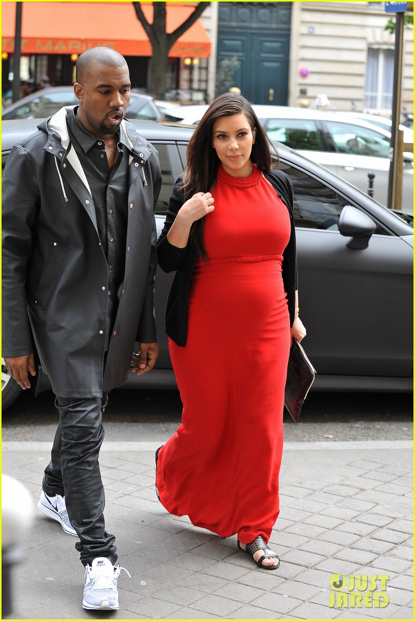 kim kardashian kanye west reunited in paris 102861303