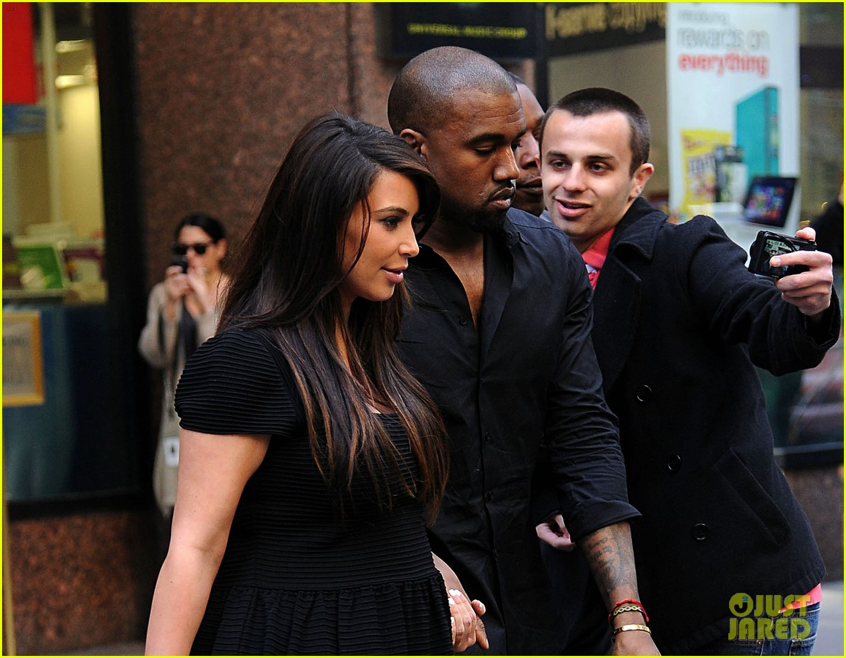 kim kardashian kanye west rushed by fan wanting photo 022857432