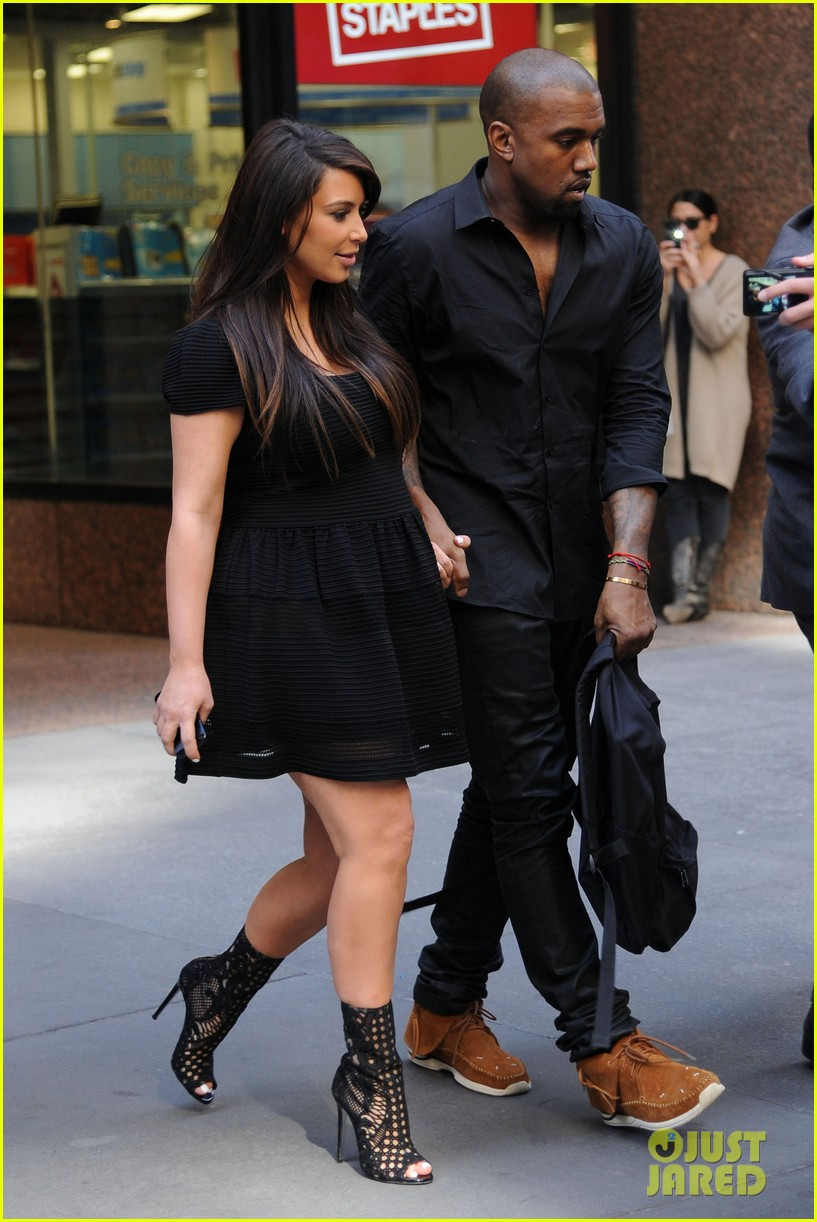 kim kardashian kanye west rushed by fan wanting photo 11