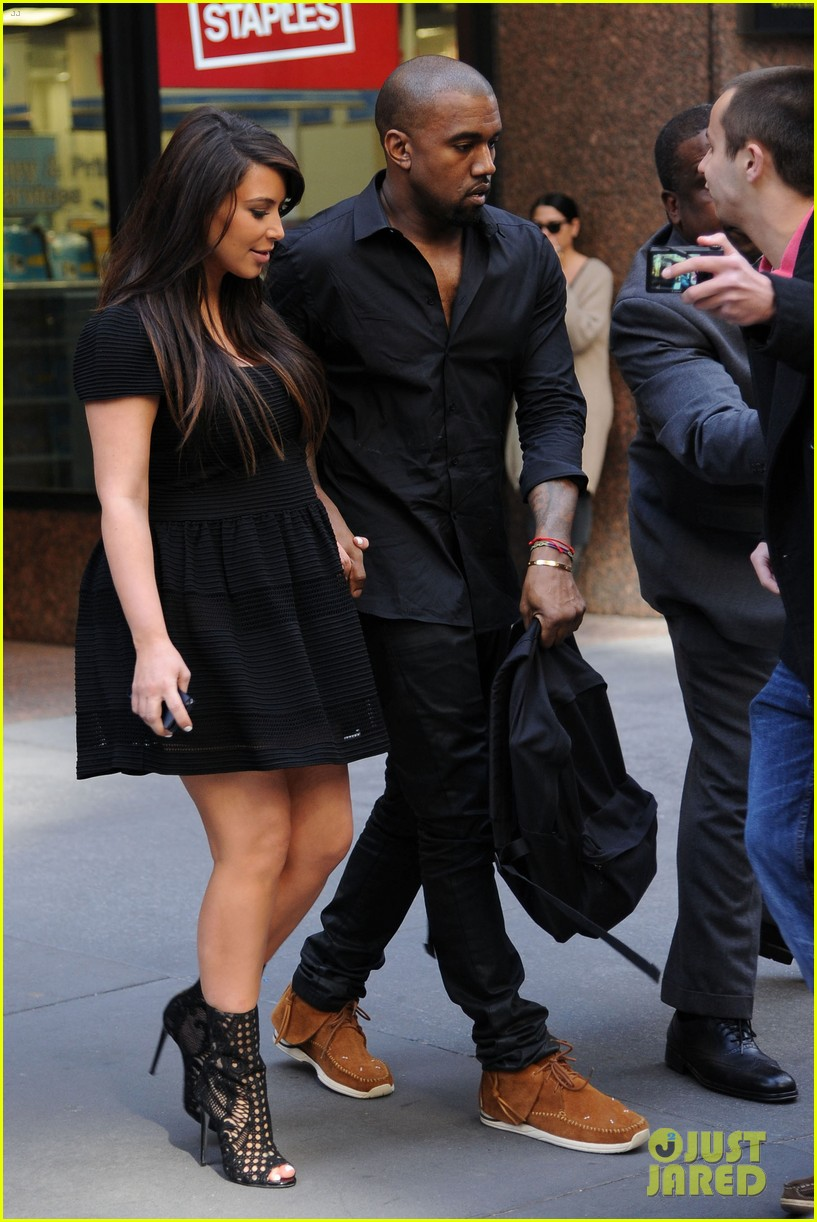 kim kardashian kanye west rushed by fan wanting photo 122857442