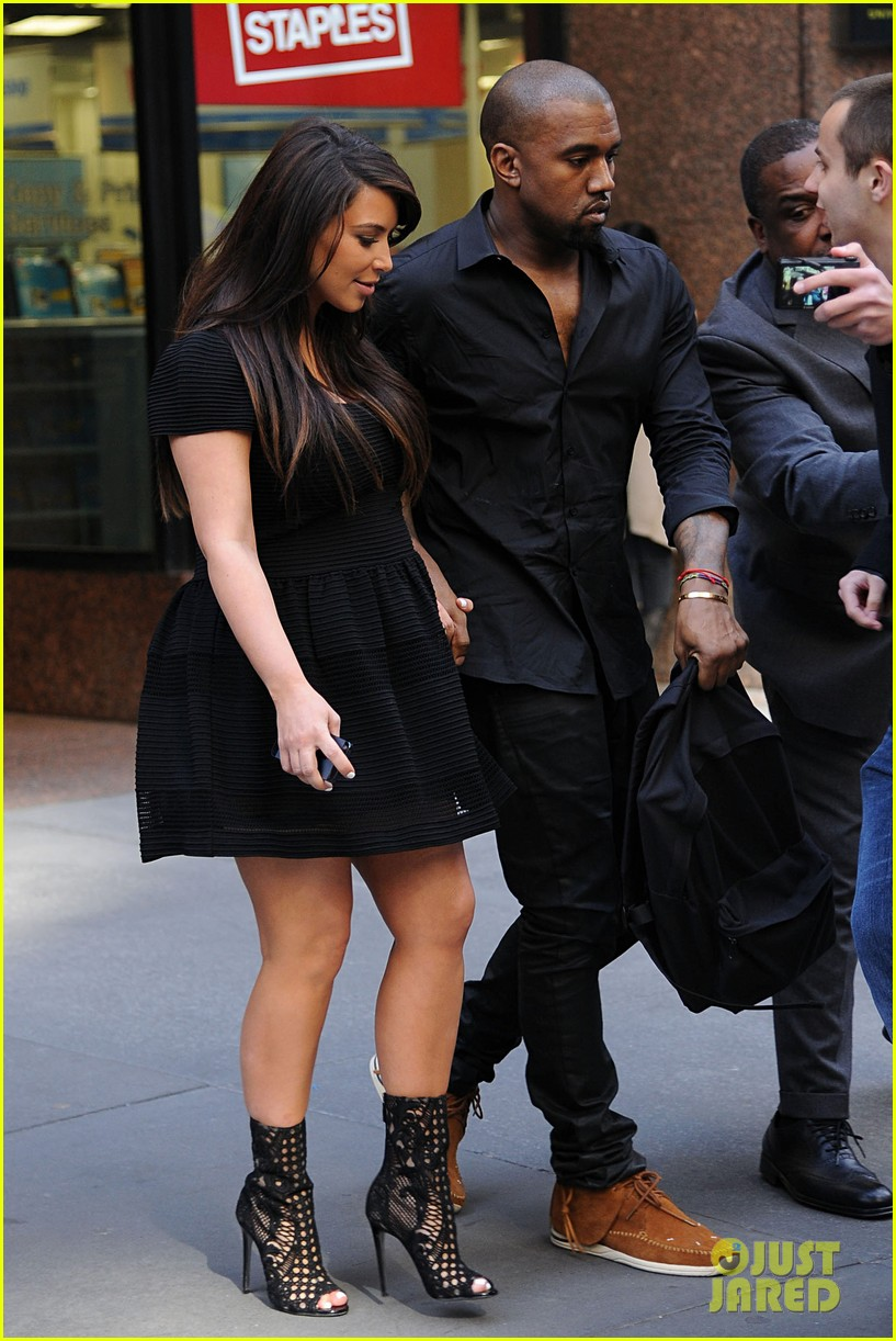kim kardashian kanye west rushed by fan wanting photo 132857443