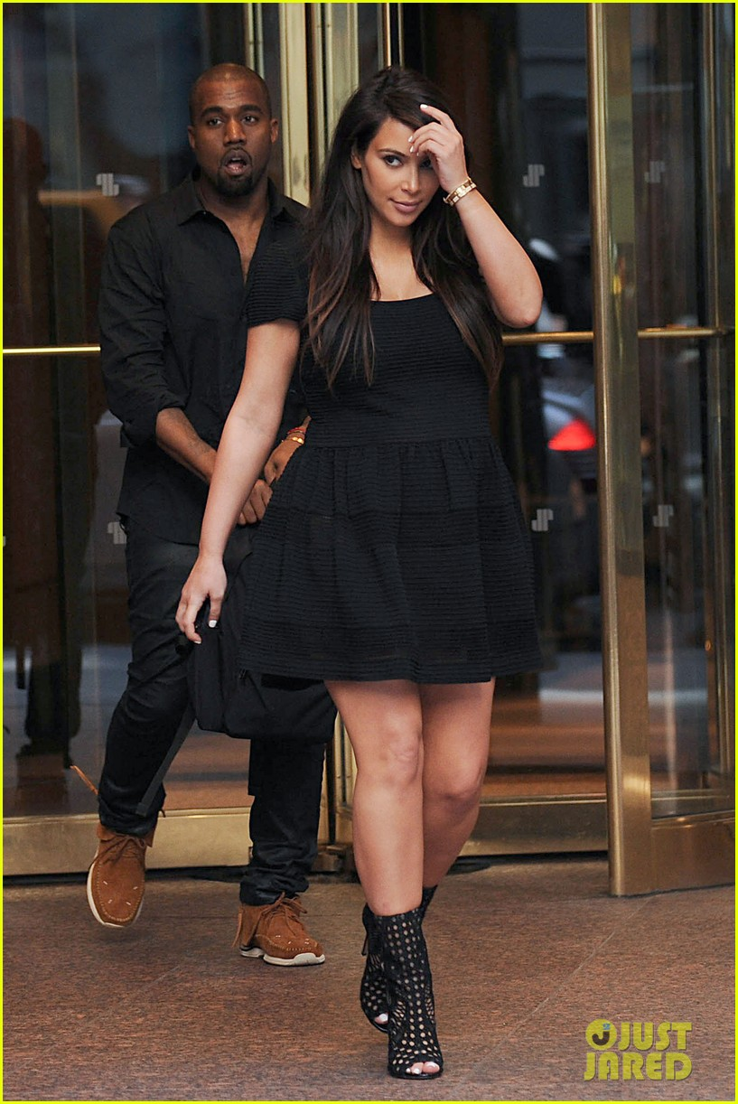 kim kardashian kanye west rushed by fan wanting photo 202857450