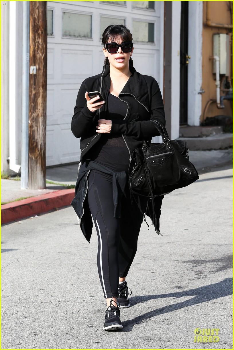 kim kardashian pregnant brentwood workout 012843844