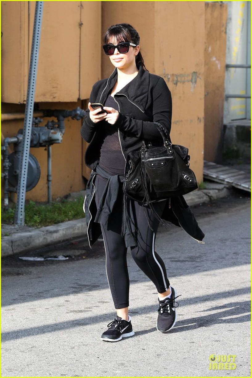 kim kardashian pregnant brentwood workout 062843849