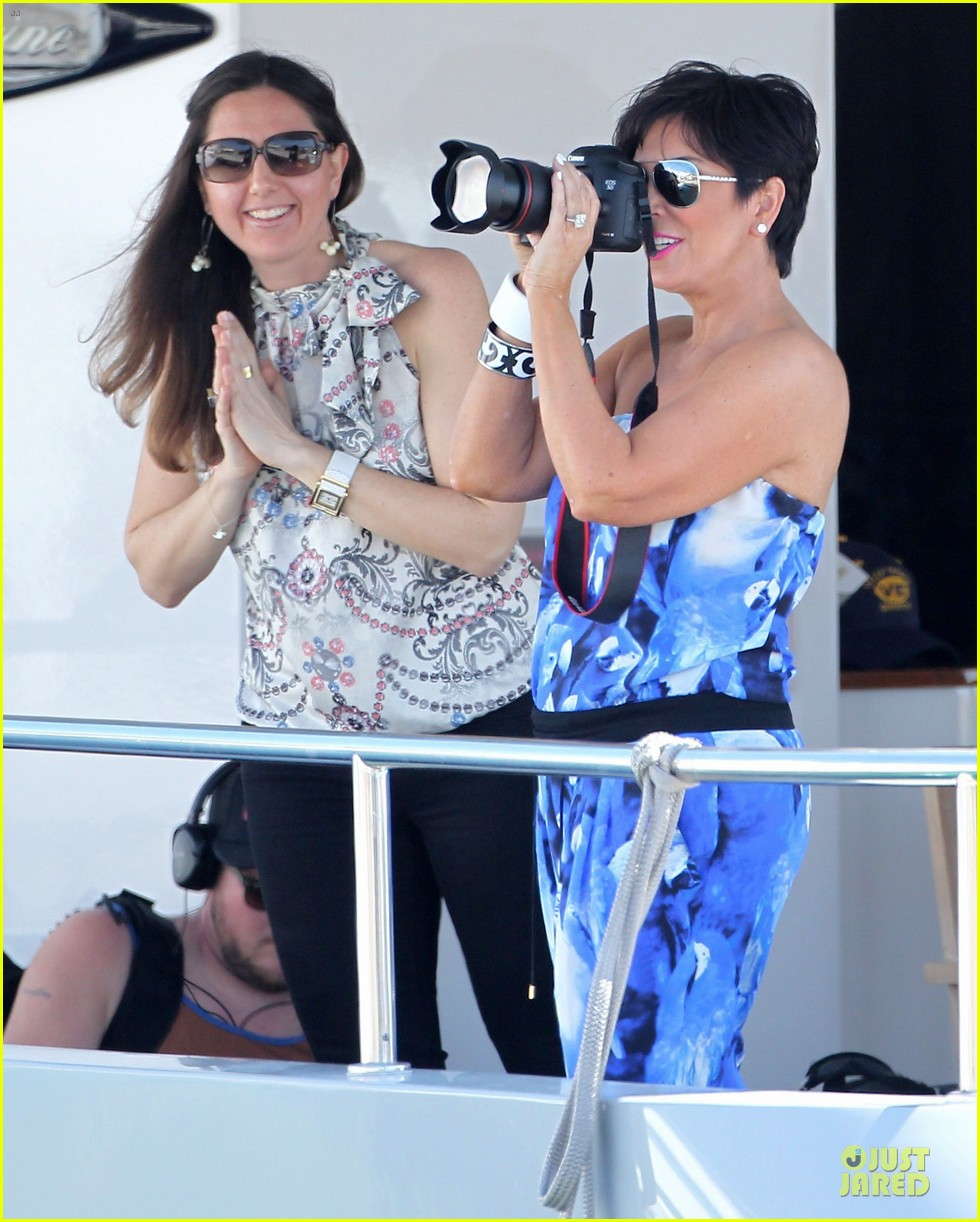 pregnant kim kardashian greece yacht with family 24
