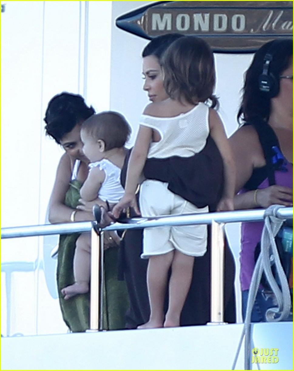 pregnant kim kardashian greece yacht with family 422859316