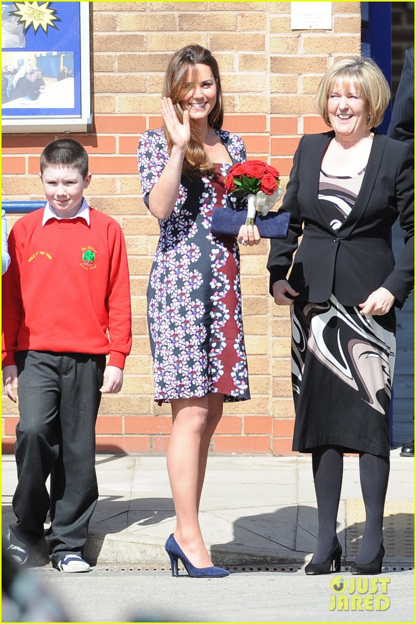 kate middleton pregnant baby bump at willows school 012856399
