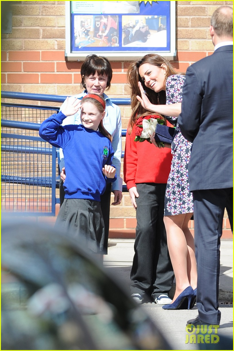 kate middleton pregnant baby bump at willows school 072856405