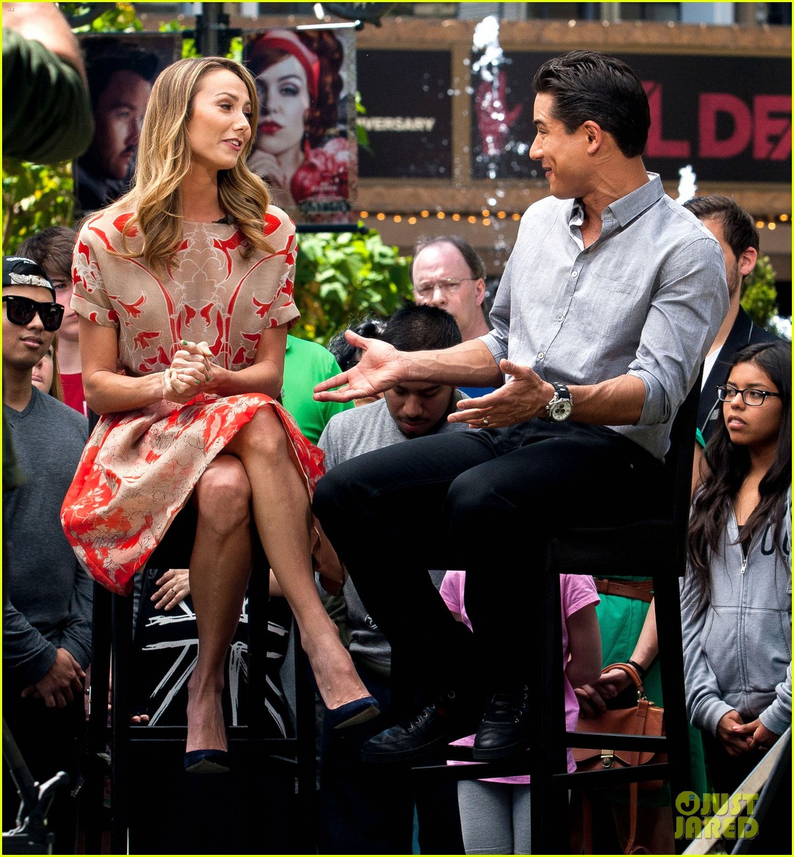 stacy keibler extra appearance with mario lopez 092852347