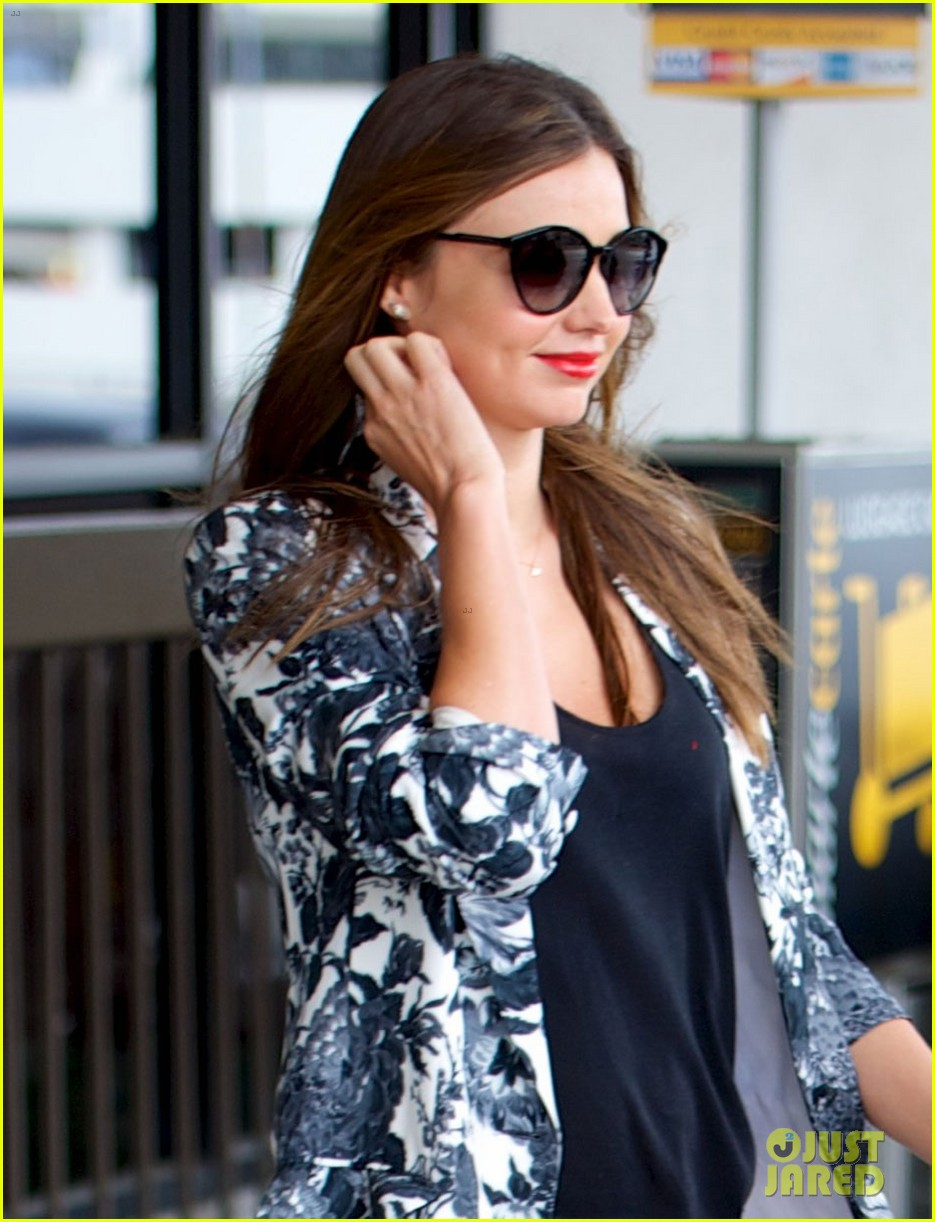 miranda kerr orlando bloom easter landing with flynn 032841485