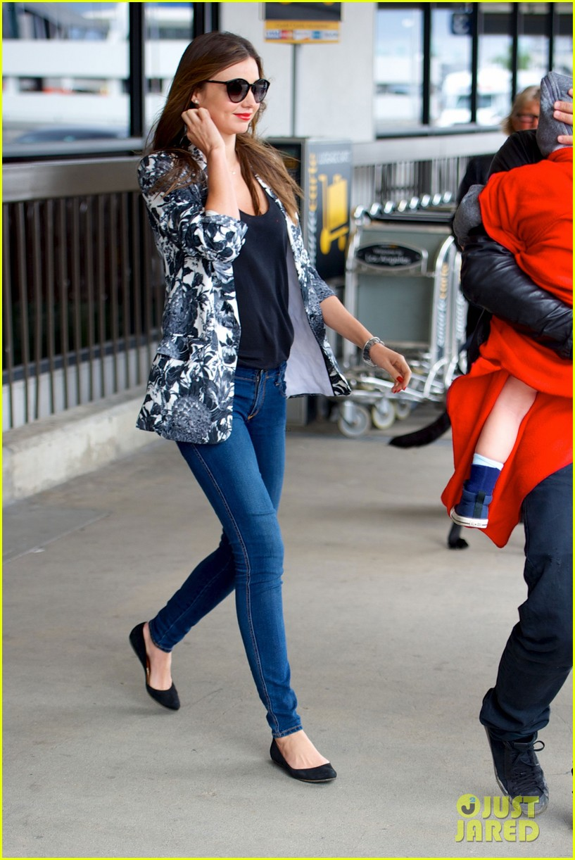 miranda kerr orlando bloom easter landing with flynn 052841487