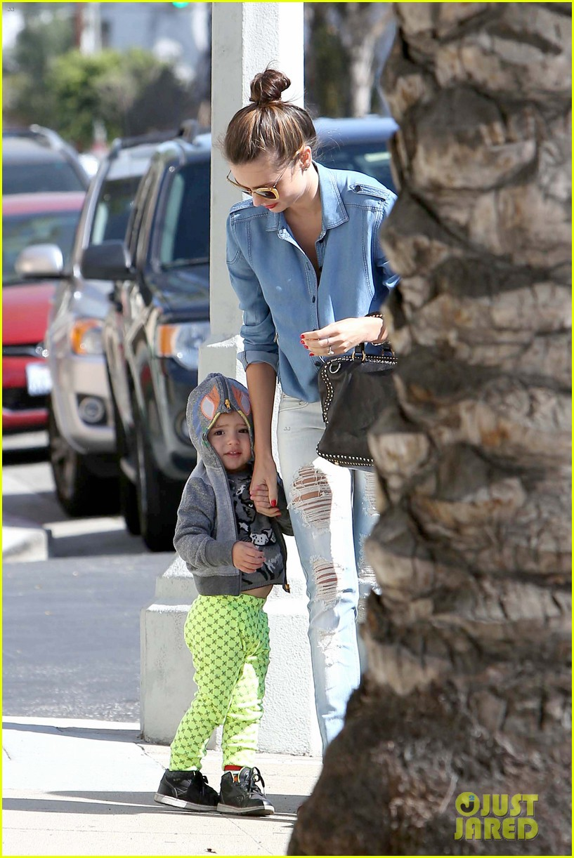 miranda kerr flynn romp around at kids gym 032845565
