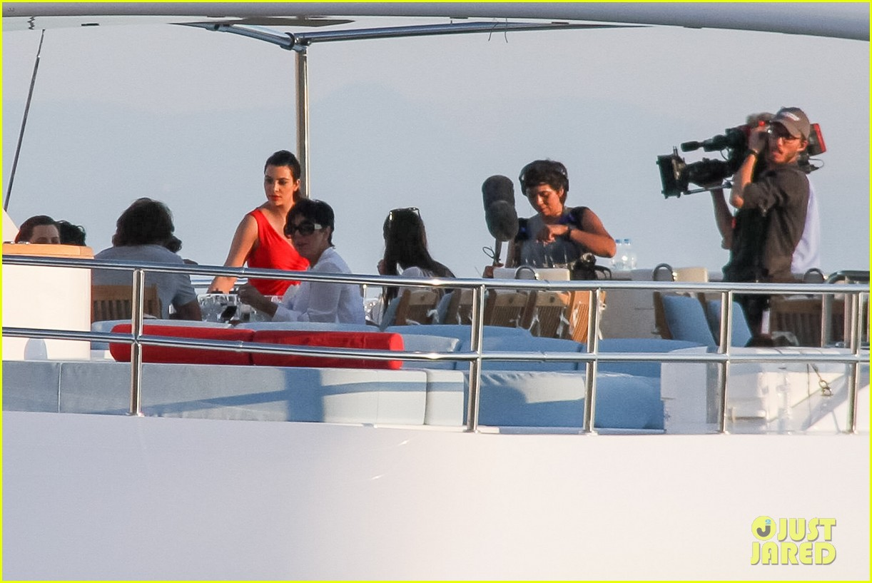 pregnant kim kardashian family boat ride in greece 352860220