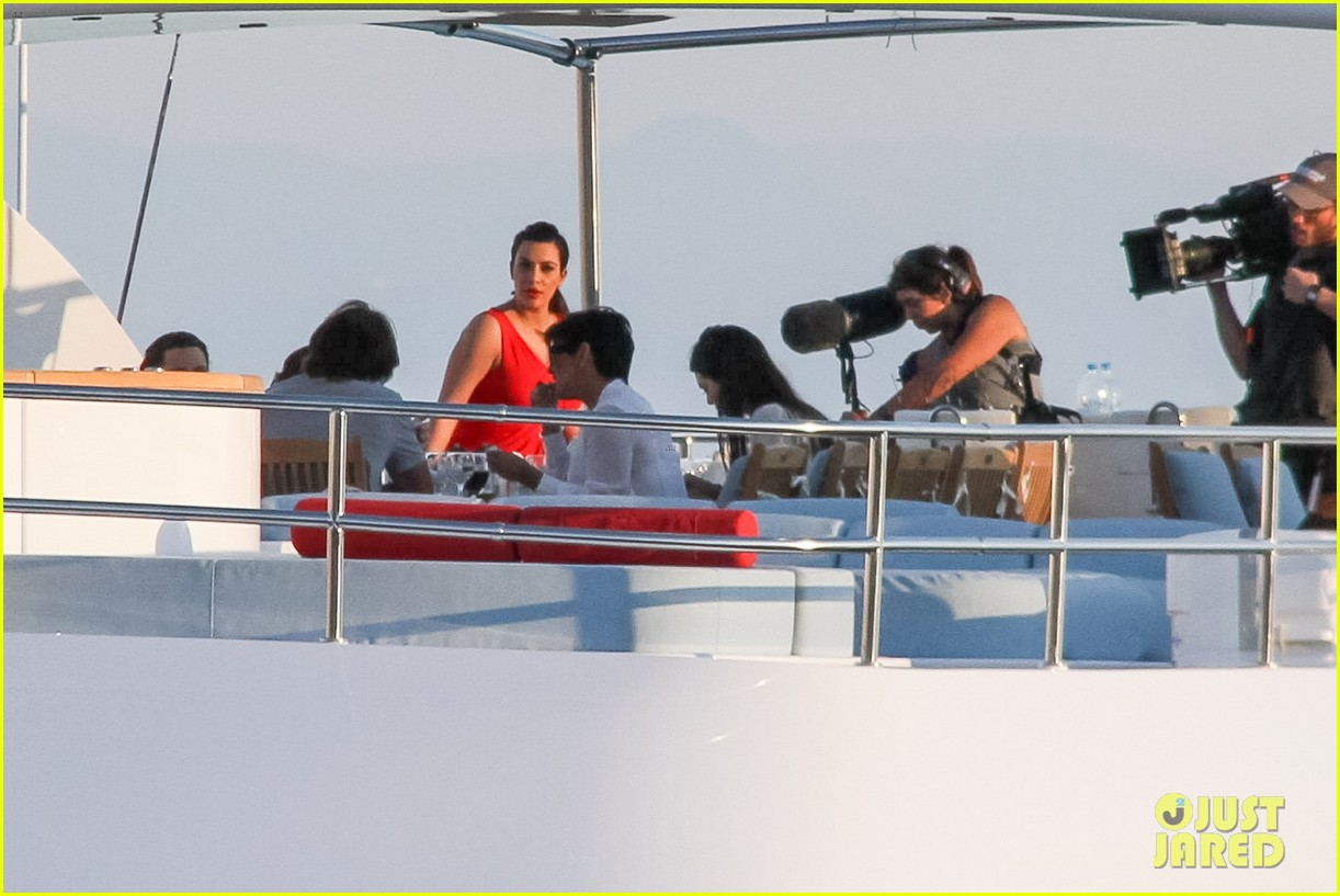 pregnant kim kardashian family boat ride in greece 392860224
