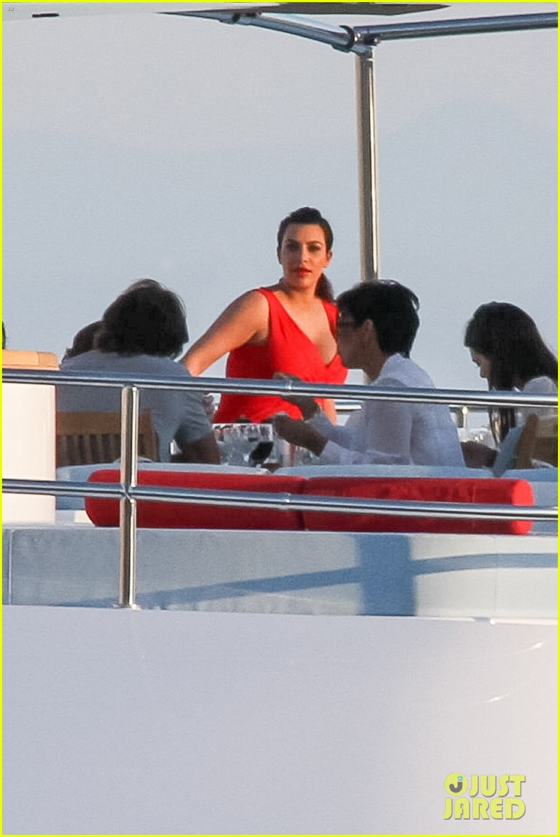 pregnant kim kardashian family boat ride in greece 402860225