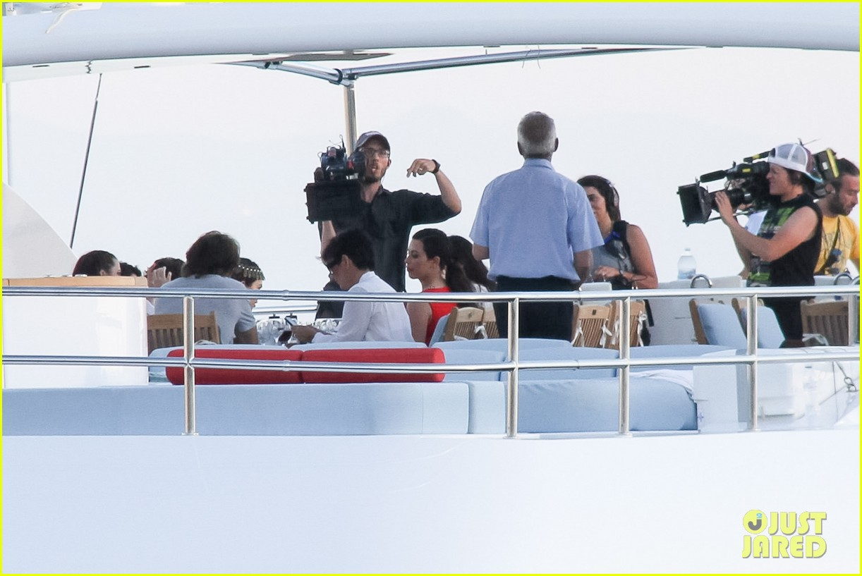 pregnant kim kardashian family boat ride in greece 412860226