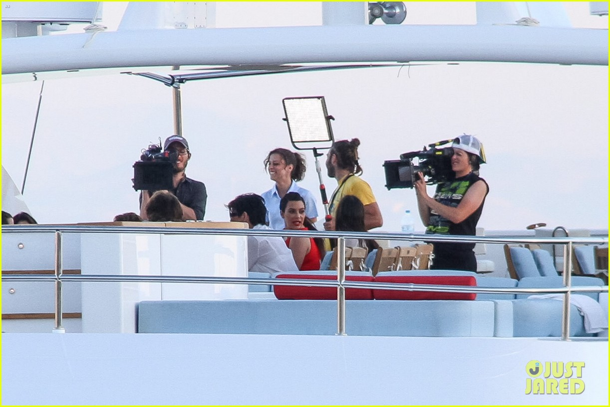 pregnant kim kardashian family boat ride in greece 442860229