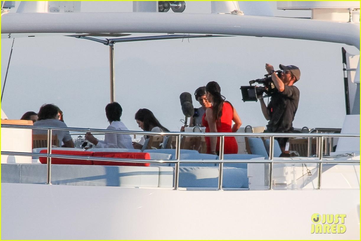 pregnant kim kardashian family boat ride in greece 462860231