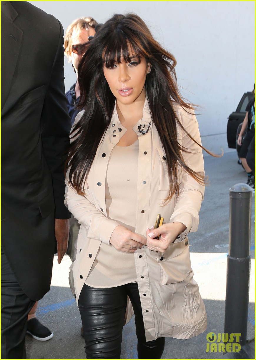 kim kardashian eats with sisters kanye west parties with rob 15