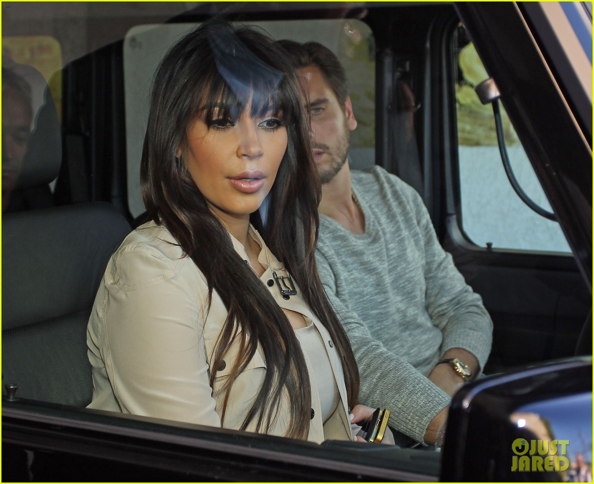 kim kardashian eats with sisters kanye west parties with rob 172843450