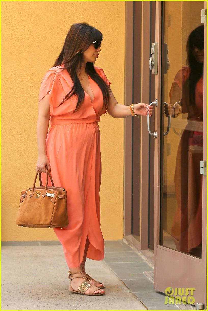 pregnant kim kardashian sunday family church service 052844928