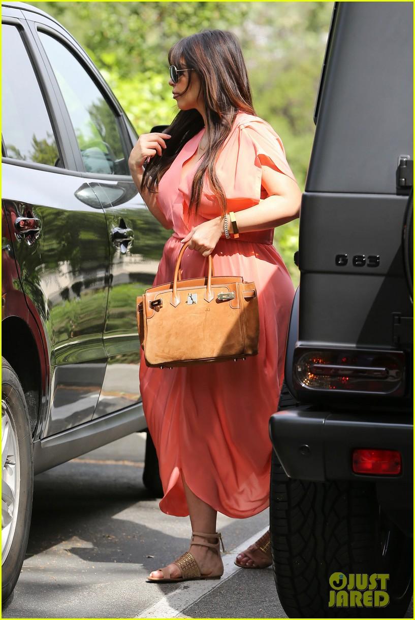 pregnant kim kardashian sunday family church service 092844932