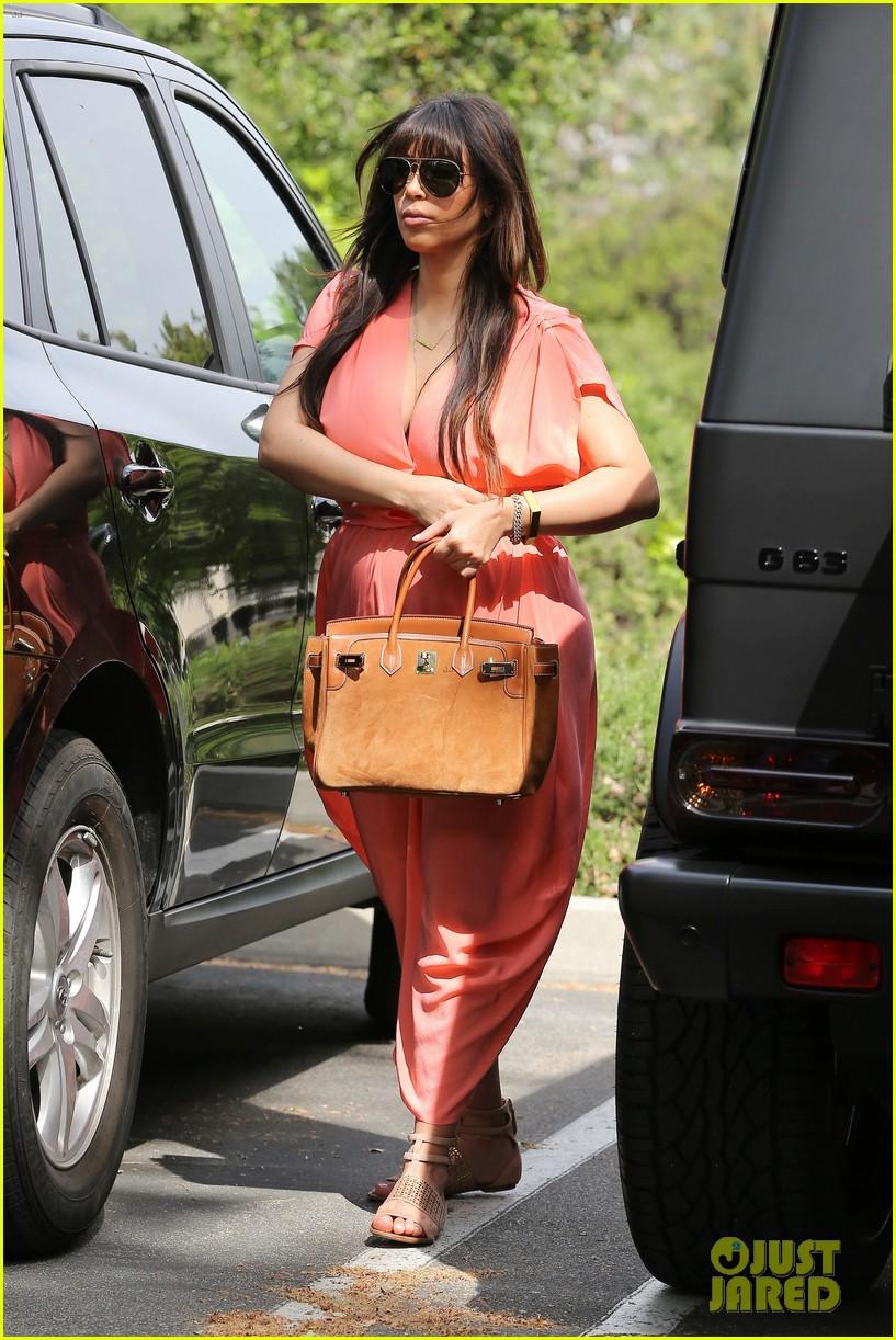 pregnant kim kardashian sunday family church service 102844933