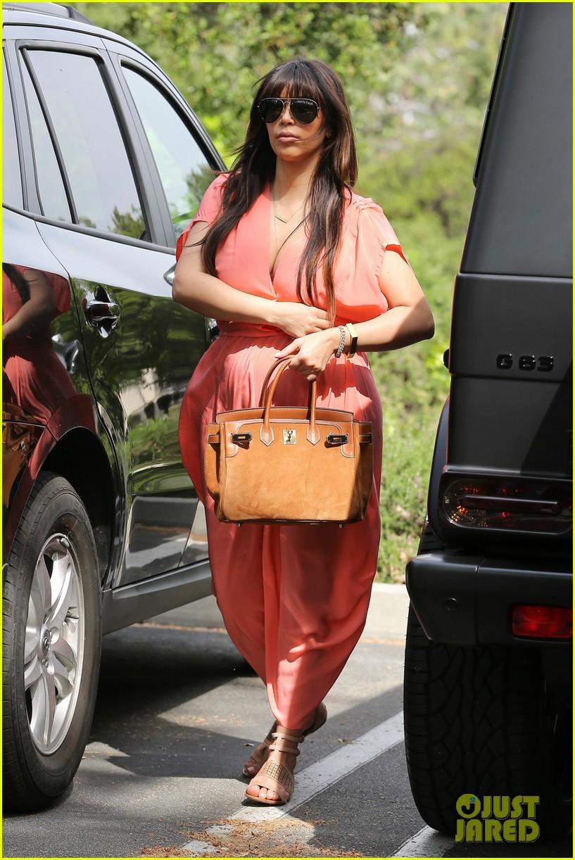 pregnant kim kardashian sunday family church service 142844937